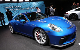 Porsche 911 GT3 2018 có thêm phiên bản Touring Package, bản sao của hàng hiếm 911 R