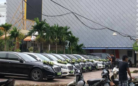 """Xe siêu sang Bentley cùng """"binh đoàn"""" 9 chiếc Mercedes-Benz S-Class rước dâu tại Hải Phòng"""