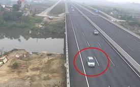 Phát hoảng với 2 xe con đi lùi trên đường cao tốc Hà Nội - Hải Phòng