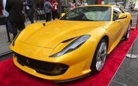 """Nhân sự kiện 70 năm thành lập hãng Ferrari, hàng loạt """"siêu ngựa"""" đã hội tụ tại kinh đô thời trang thế giới"""