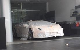 Aventador S LP740-4 2017 xuất hiện trong đại lý Lamborghini chính hãng Hà Nội