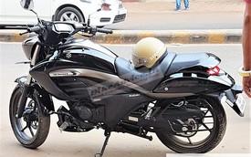 """Xe cruiser giá """"mềm"""" Suzuki Intruder 150 lần đầu xuất hiện trên đường phố"""