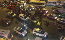 """Hà Nội: """"Vua bán tải"""" Ford Ranger chạy ngược chiều trên phố gây tai nạn liên hoàn"""