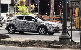 Bắt gặp Toyota C-HR trên đường phố Thái Lan