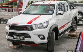 Cận cảnh phiên bản thể thao của xe bán tải Toyota Hilux