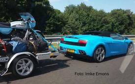 Lamborghini Gallardo mui trần độ thêm thùng hàng, chở theo nhiều đồ đạc đến Ý