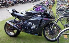 """Lạ mắt với chiếc Yamaha YZF-R1 """"độ"""" thân vỏ bằng sợi carbon tại Sài thành"""
