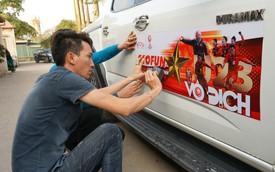Ủng hộ U23 Việt Nam, doanh nghiệp Việt dán decal ô tô, xe máy miễn phí