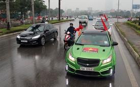 Hàng chục chiếc Chevrolet diễu hành quanh Hà Nội ủng hộ U23 Việt Nam