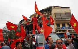 Khắp mọi nẻo đường hừng hực khí thế cổ động U23 Việt Nam