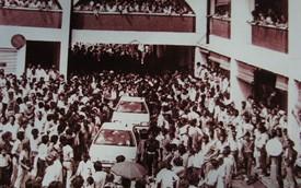 Hành trình vụt sáng rồi tắt lịm của hãng xe hơi quốc dân Malaysia Proton: Năm đầu tiên ai muốn mua phải đăng ký chờ 4 tháng, đến khi chính phủ mở cửa cho xe nhập khẩu phải vội bán mình