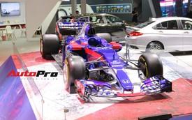 Chi tiết xe đua công thức 1 của đội đua Red Bull Toro Rosso Honda tại triển lãm VMS 2018
