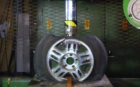 So găng độ cứng giữa mâm thép và hợp kim bằng máy ép thủy lực