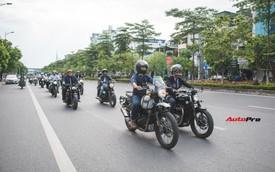 Hàng trăm biker chạy xe classic tổ chức offline, diễu hành quanh đường phố Hà Nội