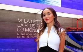 Ảnh: Những bóng hồng tại Paris Motor Show 2018