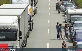 Xem cách nhường đường cho xe cứu thương cực thông minh của người Đức mà chúng ta nên học hỏi