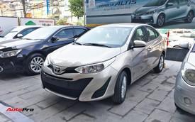 """Đẩy hàng cuối năm, Toyota Vios 2018 tặng thêm """"option"""" đã bị cắt bỏ"""