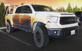 Đăng ảnh chiếc xe bị biến dạng sau khi mạng cứu nhiều người khỏi vụ cháy rừng khủng khiếp ở California, anh chàng y tá được Toyota tặng xe mới