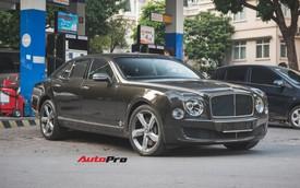 Chạm mặt Bentley Mulsanne bản hiếm, màu độc của đại gia Hà thành