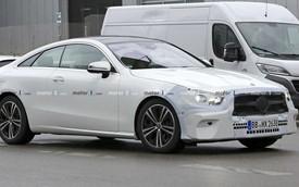 Lộ diện Mercedes-Benz E-Class sedan mới chạy thử trong thời tiết khắc nghiệt