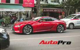 Lexus LC500 màu đỏ độc nhất Việt Nam tái xuất tại Hà Nội