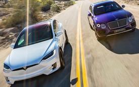 Bentley thừa nhận đã và đang mất khách vào tay Porsche, Tesla