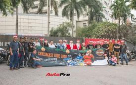 Biker Việt giả làm ông già Noel, cưỡi phân khối lớn đi từ thiện
