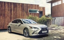 Ra mắt Lexus ES 250 giá 2,5 tỷ đồng đấu Mercedes-Benz E-Class tại Việt Nam