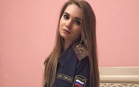 Bộ ảnh nữ cảnh sát giao thông Nga xinh đẹp khiến mọi nam tài xế đều mê mẩn ngắm nhìn