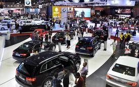 """Doanh nghiệp tranh luận """"nảy lửa"""" về điều kiện kinh doanh ô tô"""