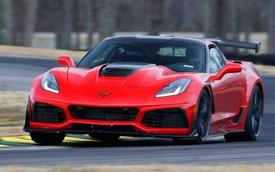 Thợ cơ khí lái Chervolet Corvette ZR1 2019 đánh bại tay đua lái siêu xe Ford GT