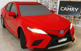 Toyota Camry làm từ 500.000 miếng Lego: Nặng hơn, lắp lâu hơn xe thật