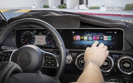 Tại sao Mercedes-Benz C-Class không được trang bị hệ thống MBUX mới?