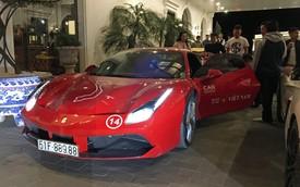 Ca sĩ Tuấn Hưng chăm sóc siêu xe Ferrari 488 GTB trong đêm trước ngày từ Sapa về Hà Nội