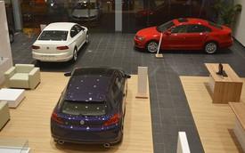 """Trong """"cơn bão"""" tăng giá, nhiều mẫu xe vẫn giảm giá mạnh để kích cầu"""