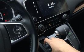 Hướng dẫn kích hoạt phanh đỗ điện tử tự động sau khi tắt máy trên Honda CR-V 2018