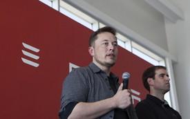 Đốc thúc sản lượng Model 3, CEO Elon Musk ăn ngủ luôn tại nhà máy