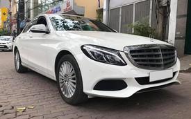 Mercedes-Benz C250 2015 lăn bánh 26.000km có giá ngang BMW 320i mới