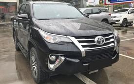 """Toyota trước cuộc đua """"full option"""" của xe Mỹ, Hàn tại Việt Nam"""