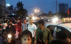 Hơn 4h sáng ngày 1/5, dòng người đã ùn ùn đổ về Hà Nội sau kỳ nghỉ lễ kéo dài