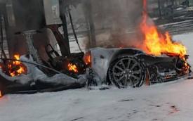 Model S đâm và phát nổ làm tử vong 2 người, Tesla lại bị điều tra