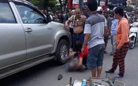 Khởi tố tài xế giận vợ lùi xe đâm tử vong một cụ già