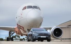 Xem xe Tesla kéo cả máy bay Boeing để lập kỷ lục thế giới