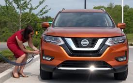 Bơm lốp ô tô nhàn hạ và chính xác hơn với Nissan Easy Fill