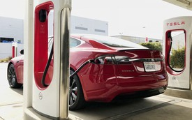 Bên trong trạm sạc điện cho xe ô tô Tesla hiện đại, nội thất chẳng kém gì khách sạn hạng sang, dự kiến bố trí thay các trạm xăng truyền thống