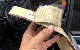 Người dùng chia sẻ ảnh trần xe sang MINI sử dụng bìa carton