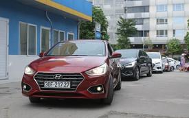 Với 4,4 lít xăng, Hyundai Accent AT 2018 có thể đi được 100 km đường hỗn hợp