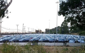Tesla chất đống Model 3, cố tình chậm trễ cuộc đua không ai là người muốn về nhất