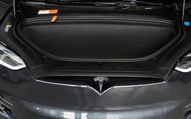 Tesla Model X tự tăng tốc, đánh lái lao vào vật cản trước tai nạn chết người