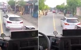 """Tài xế ô tô """"giả điếc"""" cản đường xe cứu hoả đi làm nhiệm vụ suốt 4km ở Sài Gòn bị tước bằng lái xe"""